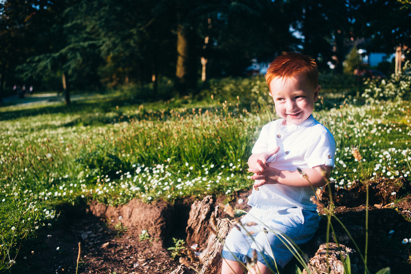 Outdoor-Family-Portait-Summer-Holiday